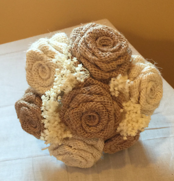 زفاف - 7 Flower Mini Burlap Bouquet in Ivory and Natural , Burlap Wedding Bouquet , Burlap Floral Arrangements, Rustic Wedding, Wedding Bouquet