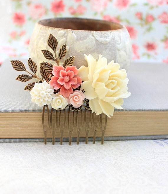 Свадьба - Big Rose Hair Comb Light Yellow Cream Flower Comb Wedding Accessories Shabby Floral Comb Country Chic Bridal Hair Jewelry Bridesmaids Gift