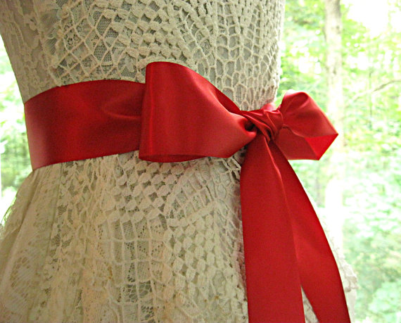 Свадьба - Red / Scarlet / Christmas Red wedding sash, bridal sash, bridesmaid sash, bridal belt, 2.25 inch satin