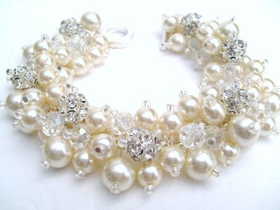 Mariage - Bridal Jewelry, Wedding, Pearl Bridesmaid Bracelet, Pearl and Rhinestone Bracelet, Cluster Bracelet, Pearl Bracelet, Ivory Pearl Jewelry