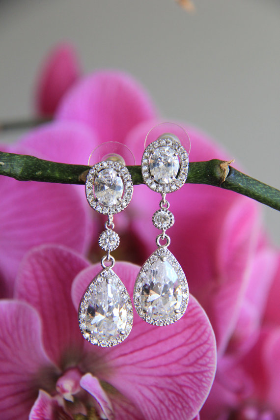 Mariage - Wedding jewelry, bridal jewelry, wedding earrings, bridal earrings, Cubic zironia earrings, cz earrings with round and tear drop stones