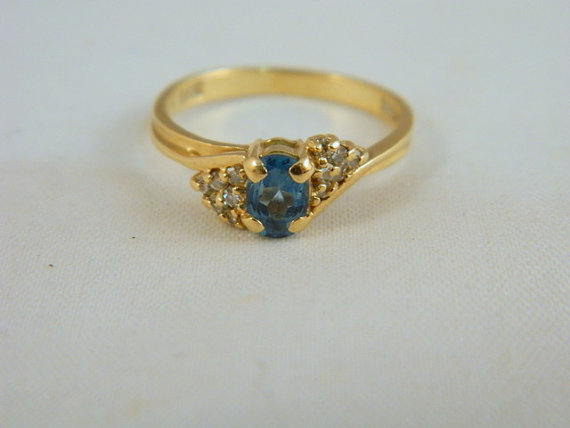 Свадьба - 14k Yellow Gold Swiss Blue Topaz Ring / Vintage Swiss Blue Topaz and Diamond Ring / Cocktail or Engagement Ring / Size 6.25