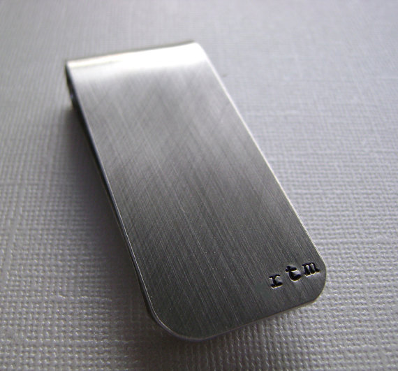 Hochzeit - Money Clip - Personalized Hand Stamped Custom Money Clip - Make the Perfect Gift for Groomsmen - Anniversary - Birthday or Just Because