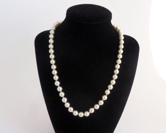 """Свадьба - Single Strand Pearls -  18"""" Necklace - 8mm faux pearls with golden clasp - bridal, wedding jewelry"""