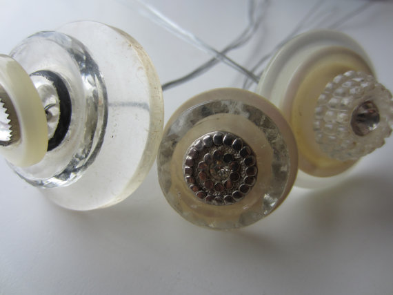 Mariage - vintage buttons. Beautiful stacked button trio, Mother of pearl, rhinestone, glass and Lucite on long stem wires (Stack 9)