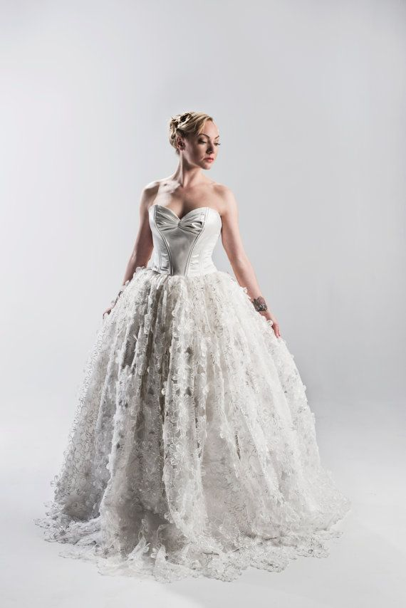 Mariage - Ivory Silk Organza 3D Floral Lace Wedding Dress - Couture Wedding Gown - Pink, Blue, White, Ivory