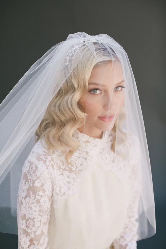 Wedding Veil Bridal Two Tier Fingertip Elbow Length Tulle Ivory Blush Lauren Conrad 0802