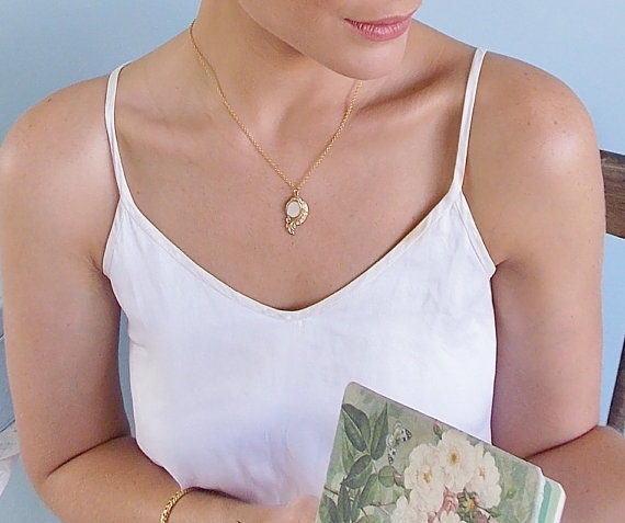 زفاف - Bridal Gold necklace -  Retro Style Charm Necklace - Dainty Bridal Necklace - Ivory Necklace - wedding jewelry - Bridesmaids Necklace