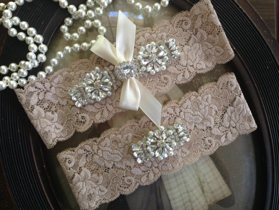 زفاف - SALE-Wedding Garter-Champagne Lace-Ivory-Rhinestone Garter-Garter Belt-Vintage-Bridal Garter-Rhinestone pearl-Toss Garter-Champagne Wedding