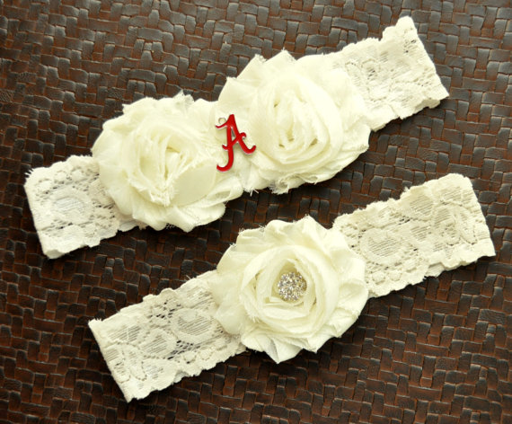Mariage - Alabama Crimson Tide Wedding Garter Set, Alabama Crimson Tide Bridal Garter Set, Ivory Lace Wedding Garter, University of Alabama Garter