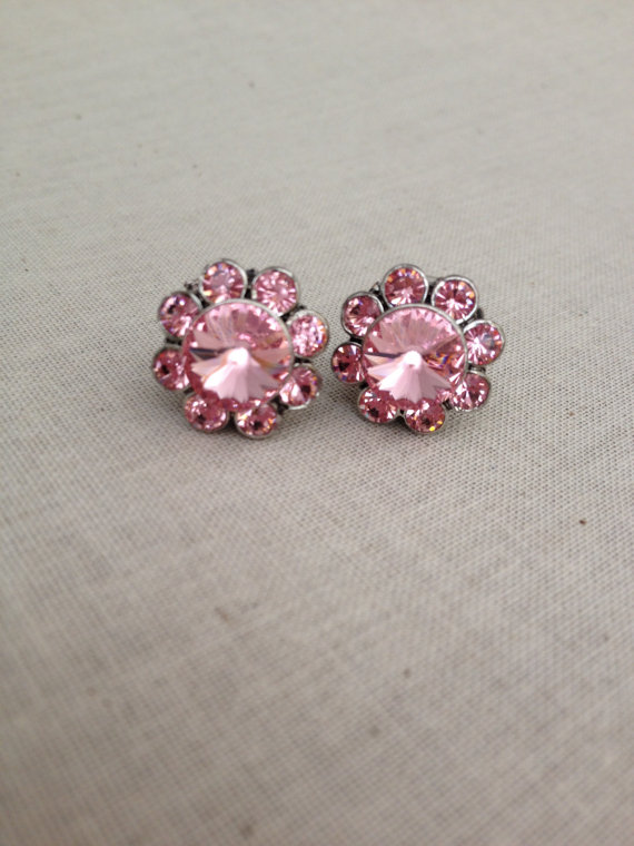 Свадьба - Blush rhinestone flower posts, Swarovski light rose earring, bridesmaid earrings, pink, weddings, bridesmaid gifts, jewelry, earrings, posts