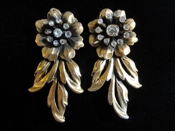 Свадьба - Vintage Victor Silson Brooch Pair, Floral Gold Rhinestone Brooche, Set of 2 Pair, Vintage Shoe Clips, Vintage Pin