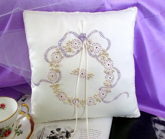 Mariage - Keepsake Wedding Wreath Ring Pillow-Hand Beaded