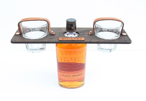 Свадьба - Personalized Groomsmen's Gift Whiskey Bottle   Glass Carrier Set (glasses Included)