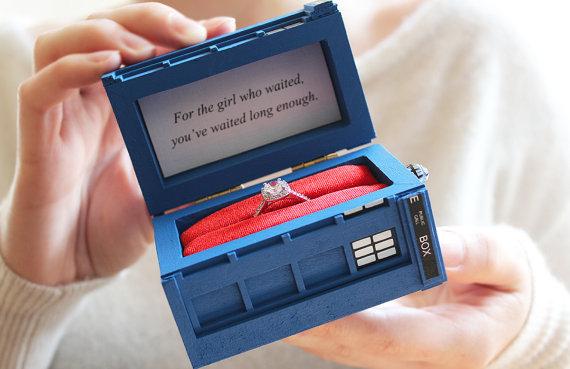 زفاف - TARDIS Inspired Engagement Ring Box - For the girl who waited