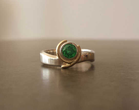 Mariage - Kokiri Emerald Ring - Legend of Zelda - Geeky Engagement Ring - Silver and 14k Gold - Green Stone Options