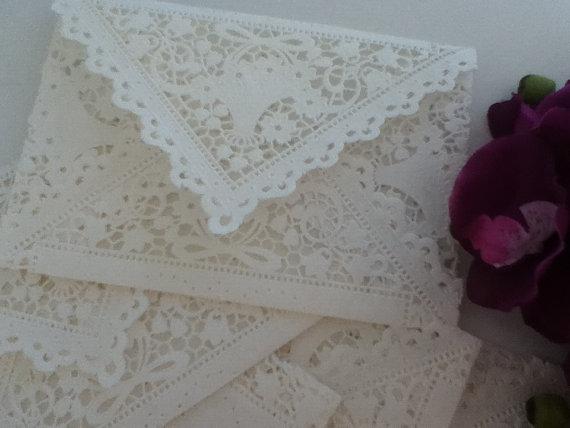 Mariage - 20 White Doily Lace Envelopes - Vintage Inspired