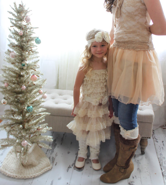 Mariage - Christmas in July Lace Chiffon Dress.  Rustic Wedding Flower Girl Dress Layers of Lovely Lace and Chiffon Birthday Outfit, Cake Smash Outfit