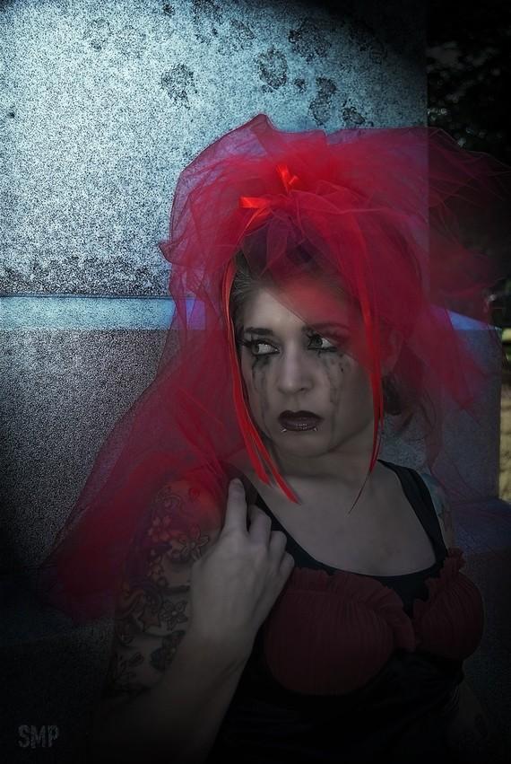 Hochzeit - Red Lydia Veil  Bridal Cosplay MTCoffinz