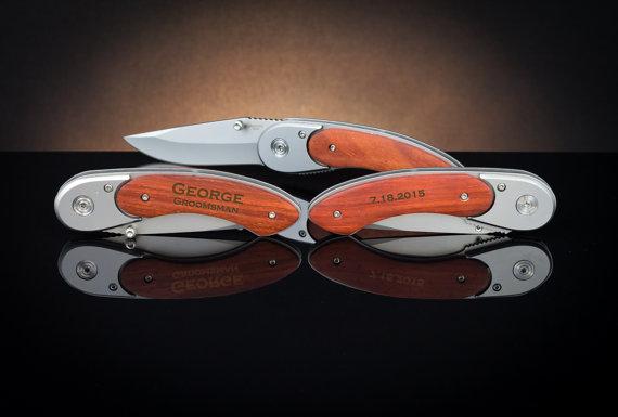 Свадьба - Personalized Pocket Knife, Groomsmen Gift, Custom Pocket Knife, Engraved Pocket Knife, Wedding Gift, Birthday Gift, Gift Idea
