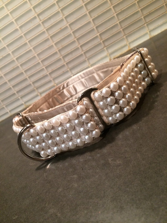 "زفاف - Coco Belle's Pearls.  1.5"" or 2"" Faux Pearls on Various Colors Satin Martingale or Quick Release Dog Collar"