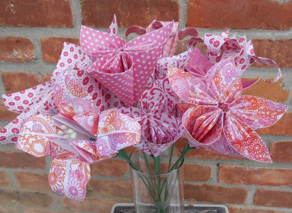 Hochzeit - Huge Paper Flower Centerpiece. CHOOSE YOUR COLORS. Wedding, Shower, Party, Gift.