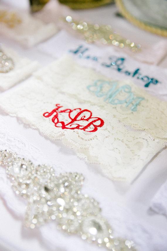 Свадьба - RED MONOGRAMMED GARTER / Red Garter / Lace Garter