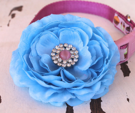 Свадьба - Blue Cottage Rose Dog Collar Add On, Dog Collar Accessory, Special Occasion Flower, Rhinestone Center