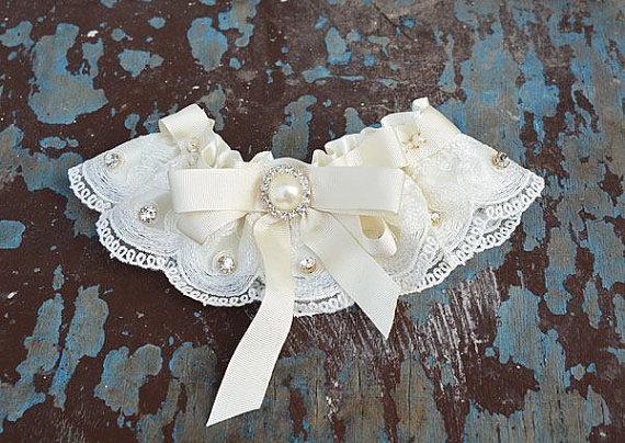 Mariage - Wedding leg garter, Garter Set, Wedding Garter Set, Wedding Garter, Bridal Garter, Wedding Accessory, Ivory Lace Garter, Bridal Accessory