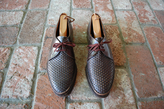 Свадьба - Vtg Mens Shoes SZ US 9 ~ UK 8.5 Rustic Brown Quality All Leather Lace Up Oxfords Oxford Dress Perforated Wedding Preppy Sleek Fall Classic