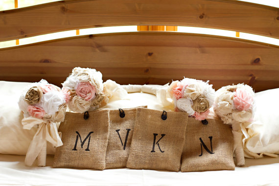 Свадьба - Shabby chic romantic rustic wedding bouquet package. Shabby chic burlap fabric flowers.