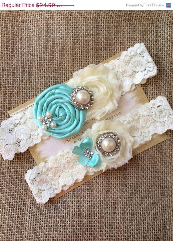 Mariage - 20% off / SALE/ wedding garter / aqua blue / bridal  garter/  lace garter / toss garter / Something blue wedding  garter