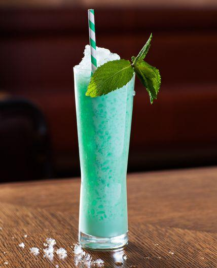 Hochzeit - Cool New Summer Cocktails
