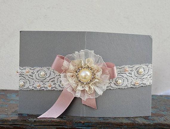 Mariage - Wedding leg garter, Bridal Accessory,Wedding Accessory,Lace Garter set, For Women set, Lace and pearl