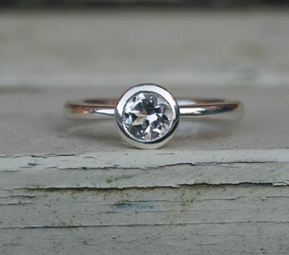 زفاف - White topaz engagement ring, eco silver solitaire ring