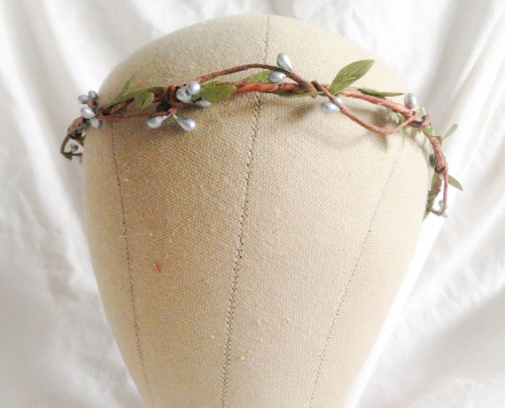 Mariage - Woodland flower hair wreath (silver pip berry and green leaf) - Wedding headpiece, headband, vintage inspired rose crown boho bridal