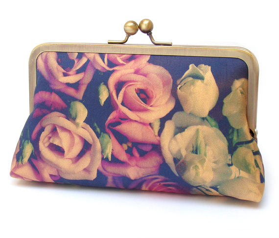 Свадьба - Clutch bag, silk purse, pink petals, wedding purse, flower clutch, bridesmaid gift, Lisianthus BOUQUET