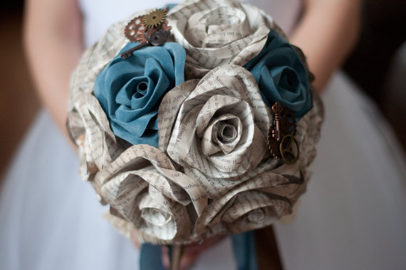 Mariage - Book Page Antiqued Rose Steampunk Bridal Bouquet 15 Roses