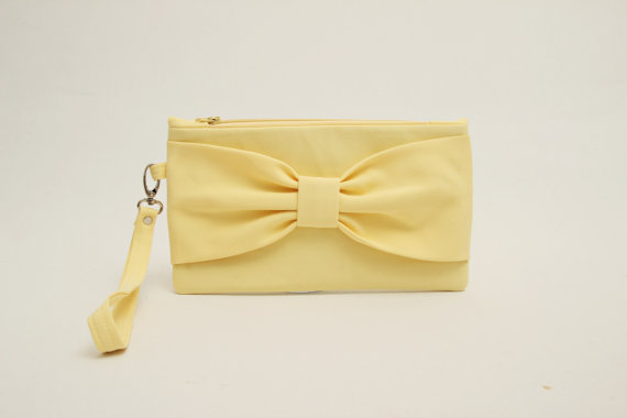 زفاف - SALE -Pale yellow bow wristelt clutch,bridesmaid gift ,wedding gift ,make up bag,zipper pouch,cosmetic bag,camera bag,zipper pouch