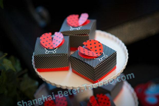 "Mariage - Free Shipping ""Cute as a Bug"" 3 D Wing Ladybug Favor Box BETER TH038 Valentine's Day Party from Reliable Event & Party Supplies suppliers on Shanghai Beter Gifts Co., Ltd."