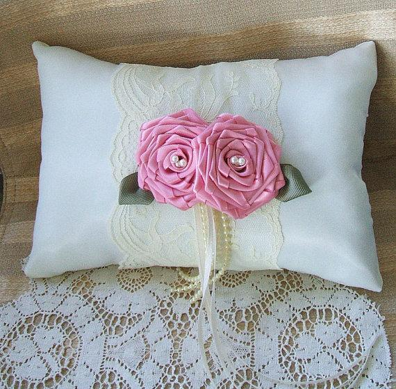 Mariage - Wedding  Ring Bearer Pillow EMBRACE Available in Ivory or white