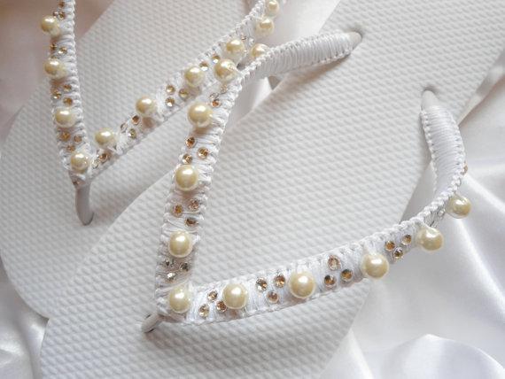 Wedding - Bridal shoes Bridal Gift White Wedding Flip Flops, bridal thongs, wedding thongs, bridal sandals, beach wedding shoes, wedding sandals
