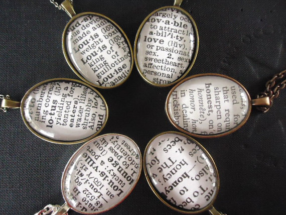 Mariage - Bridesmaids Gifts Personalized bridal jewelry Wedding gifts and mementos bridesmaids gifts or customized necklace your dictionary word