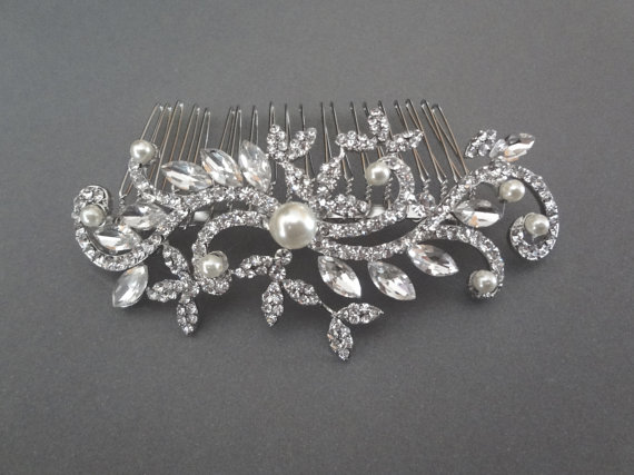 Mariage - Brides hair comb ~ Leaf design ~ Hair accessories ~ Hair comb ~ Marquise ~ Swarovski ~ Hair Jewelry ~Wedding hair accessories~LILLY