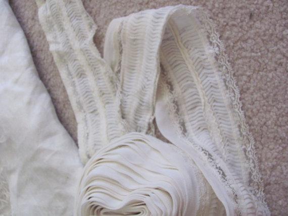 "Hochzeit - Vintage 4"" Inch Wide Gathered Nylon Lingerie Lace Trim  - 3.5 Yard Length"