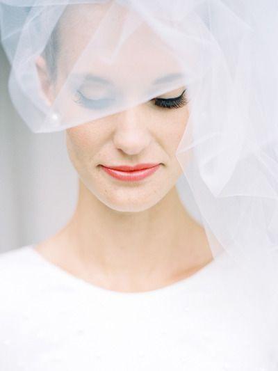 Свадьба - How To Apply Flawless False Eyelashes