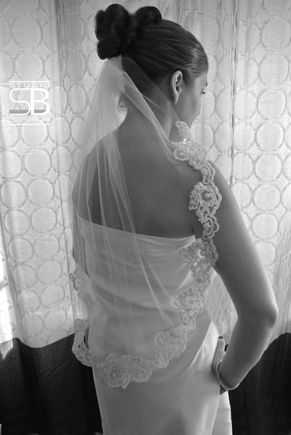 Mariage - Single Tier Partial Lace Elbow Length  - Ivory or White Wedding Veil