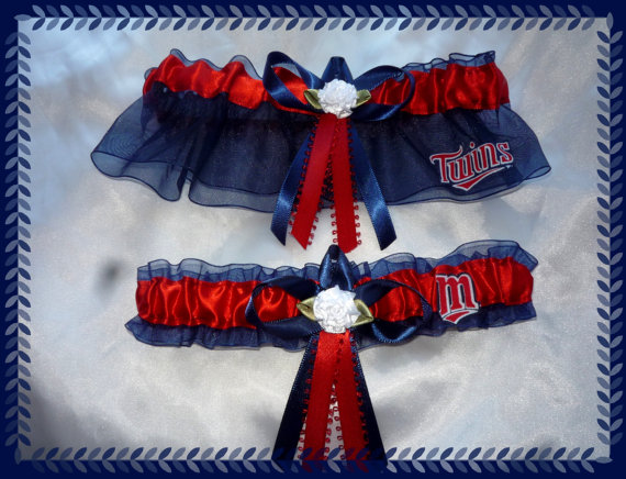 Свадьба - Navy Organza Wedding Garter Set Made with Minnesota Twins Fabric