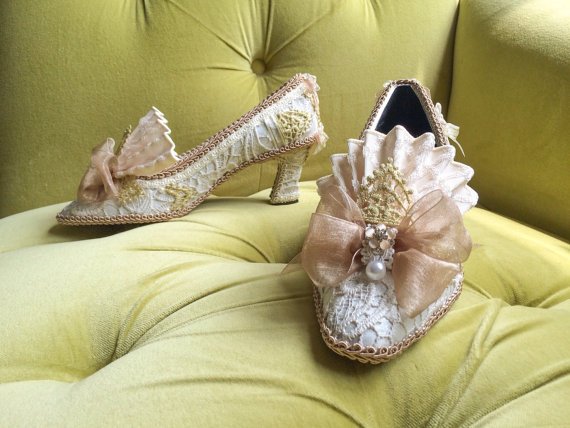 Mariage - HOLD for Amy: Marie Antoinette Style Rococo Baroque Fashion Costume Fawn Beige Ivory Lace Heel Shoe Bridal Shoes Gold Appliqué and Pearls