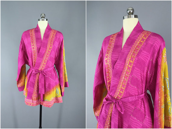 Свадьба - Silk Kimono Cardigan / Kimono Jacket / Vintage Indian Sari / Short Robe Dressing Gown Wedding / Boho Bohemian Pink Yellow Floral Embroidered